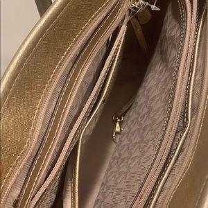 Jet Set Travel Medium Metallic Saffiano Leather